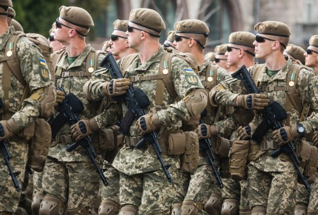 Грошове забезпечення військових, замість обіцяних 60%, зросте лише на 10%